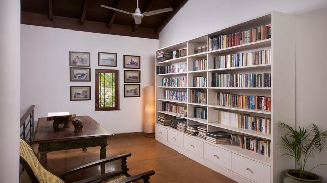 Main Villa Library